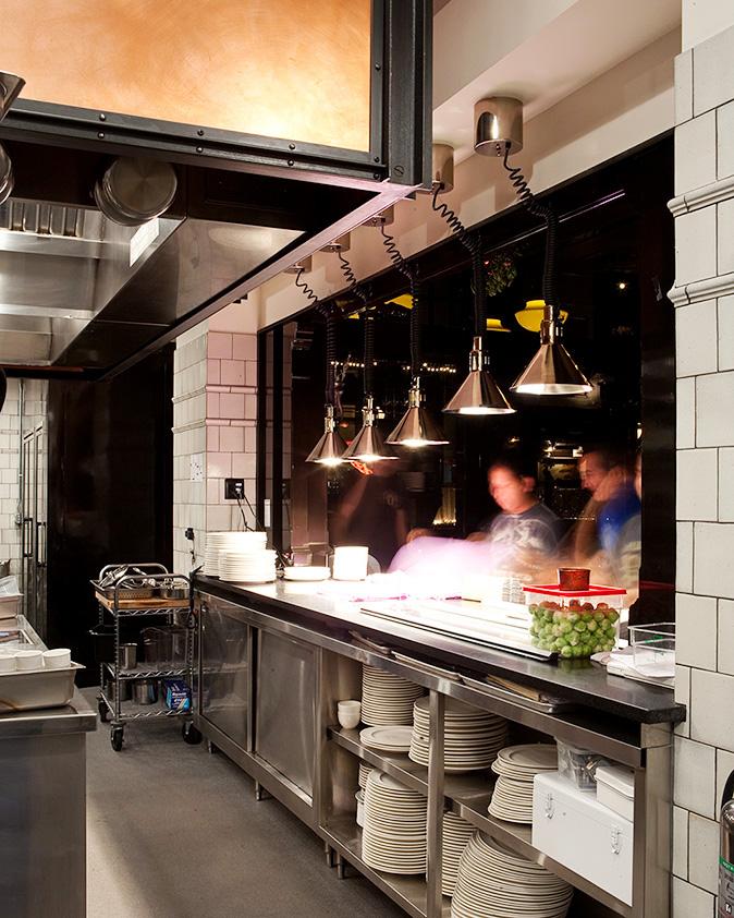 Restaurant With Open Kitchen: 20091210_ny_breslin_046